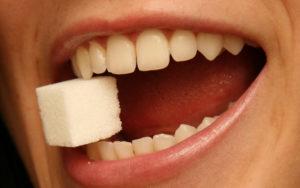 Влияние сладкого на ротовую полость и зубы