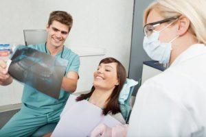 Зачем и когда лечить зубы при беременности