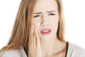 Киста зуба, насколько это серьёзно и как её лечить