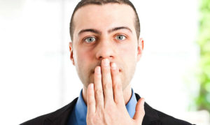 Запах изо рта – почему возникает и как избавиться