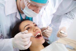 Лечение флюса на десне в стоматологии